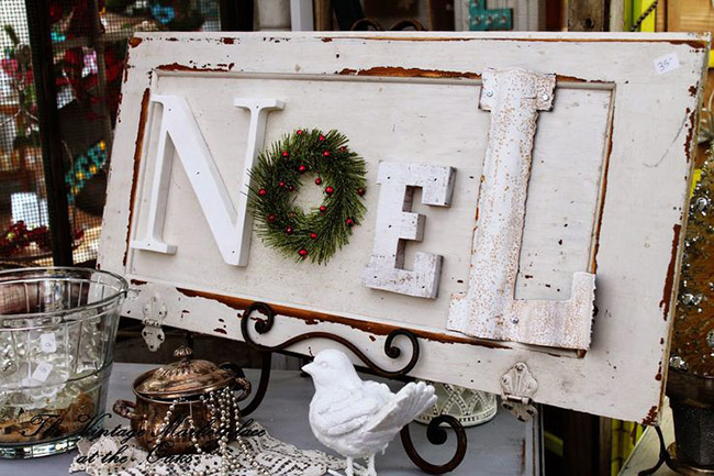 Fun Rustic Noel Sign for the holidays