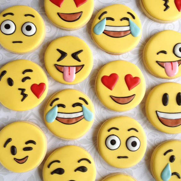 Emoji Party Cookies - See more amazing party trends for 2016 at B. Lovely Events!