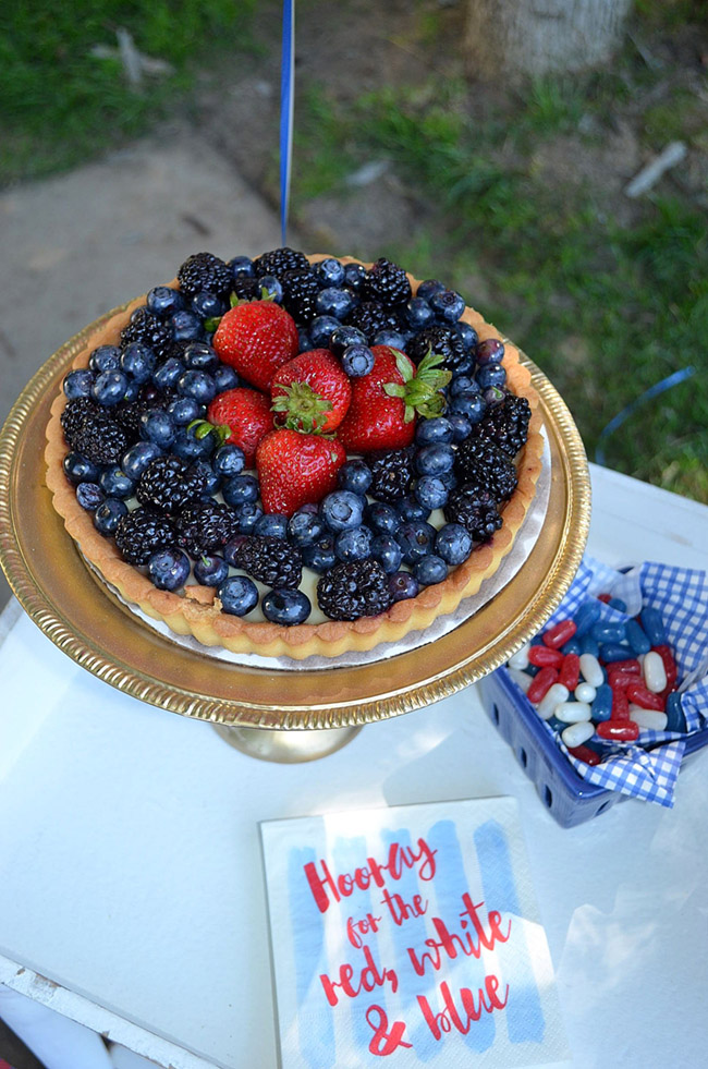 4th Of July Berry Pie -See All Of The Lovely Party Details on B. Lovely Events!