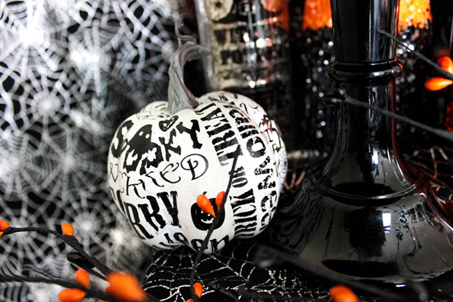Spooktacular Halloween Party Ideas. Halloween pumpkins- B. Lovely Events
