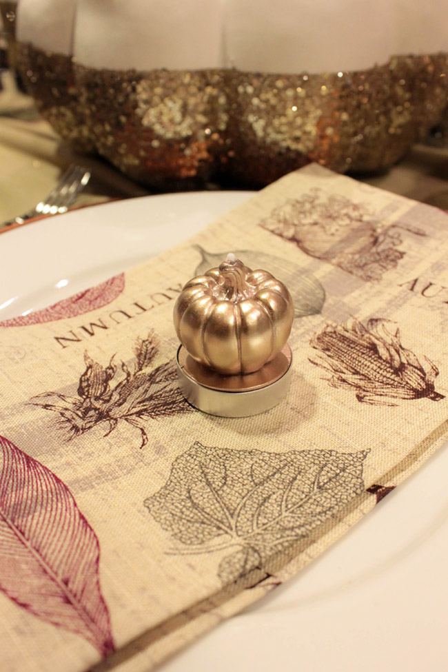 Thanksgiving place setting decor- B. Lovely Events