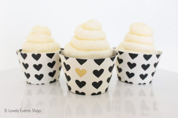 Black and gold heart cupcake wrappers