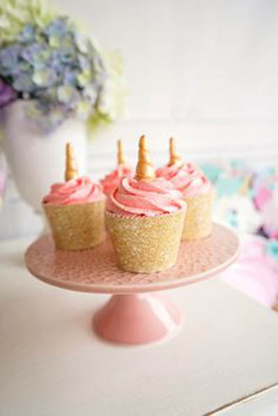 Lovely Unicorn Cupcakes!- See more lovely Unicorn Party Ideas on B. Lovely Events