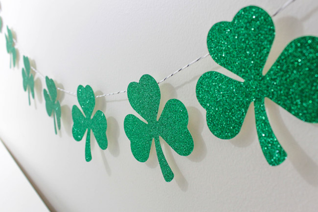 DIY Shamrock Banner- Love this on B. Lovely Events
