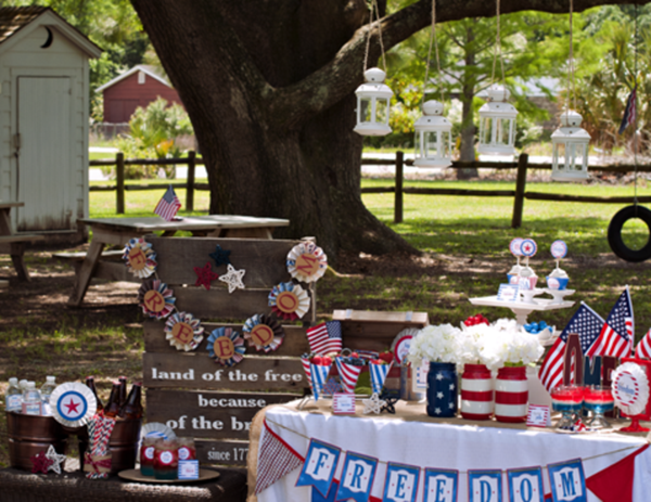 Because this amazing 4th of July party can't get any cutier! - See 10 of our favorite 4th of July Parties on B. Lovely Events!