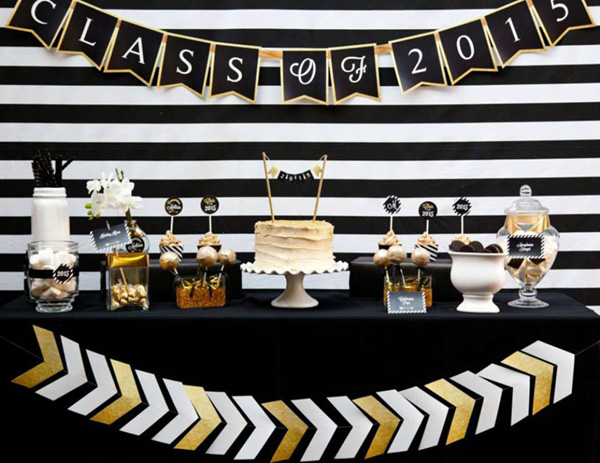 Love this black and Gold Graduation party!- See more graduation Party ideas on B. Lovely Events