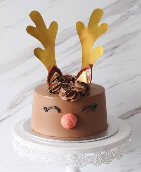 Reindeer cakes to die for! See them all at B. Lovely Events
