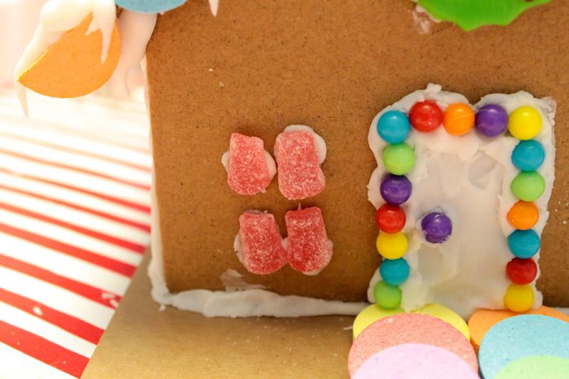 Winter Wonderland Gingerbread House steps - B. Lovely Events