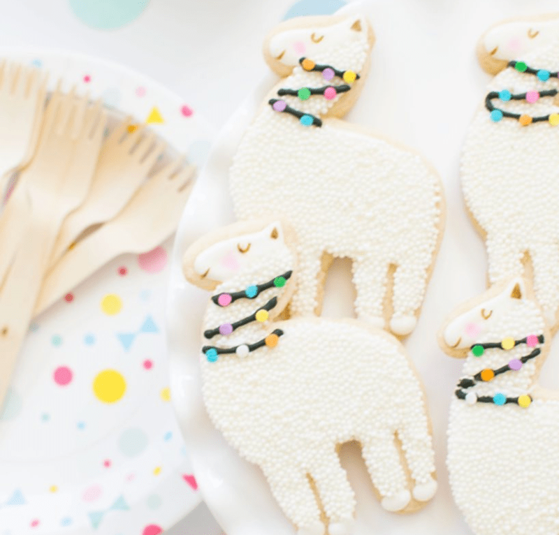 I love these llama cookies! - See more llama party love on B. Lovely Events