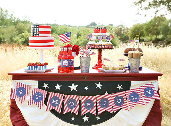 Just love this 4th of July dessert table!