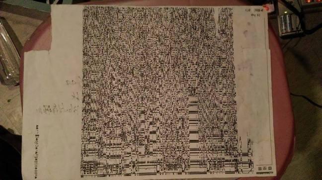 Fish 的專輯封面,來自於保留十年的印表機輸出的雜訊;因為原稿紙張泛黃,專輯也特別使用看起來偏黃的紙材。