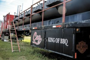 "Owner of ""World's Largest BBQ Pit"" places for sale ad on ..."