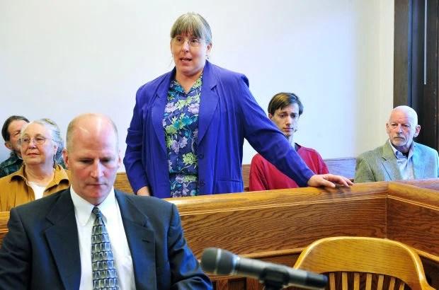 Linda Kenoyer, of Livingston, took a moment to speak