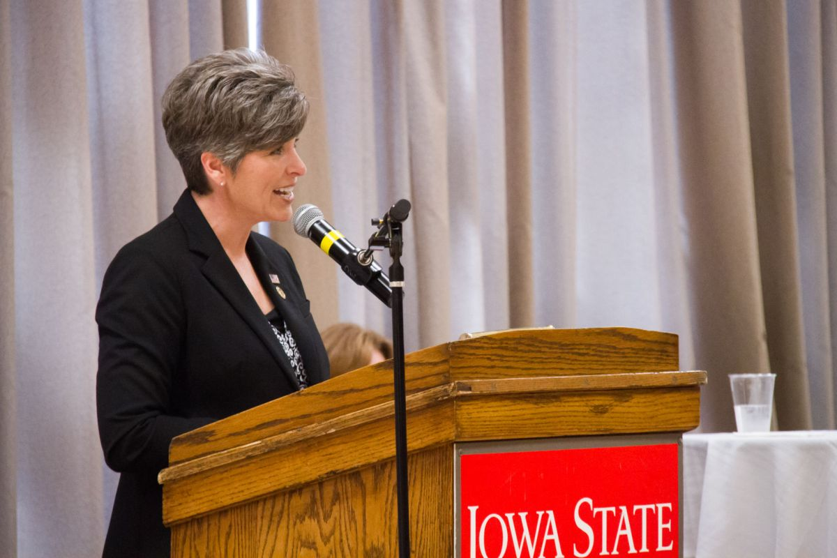 Ernst Visits Campus To Promote Vets In Agriculture