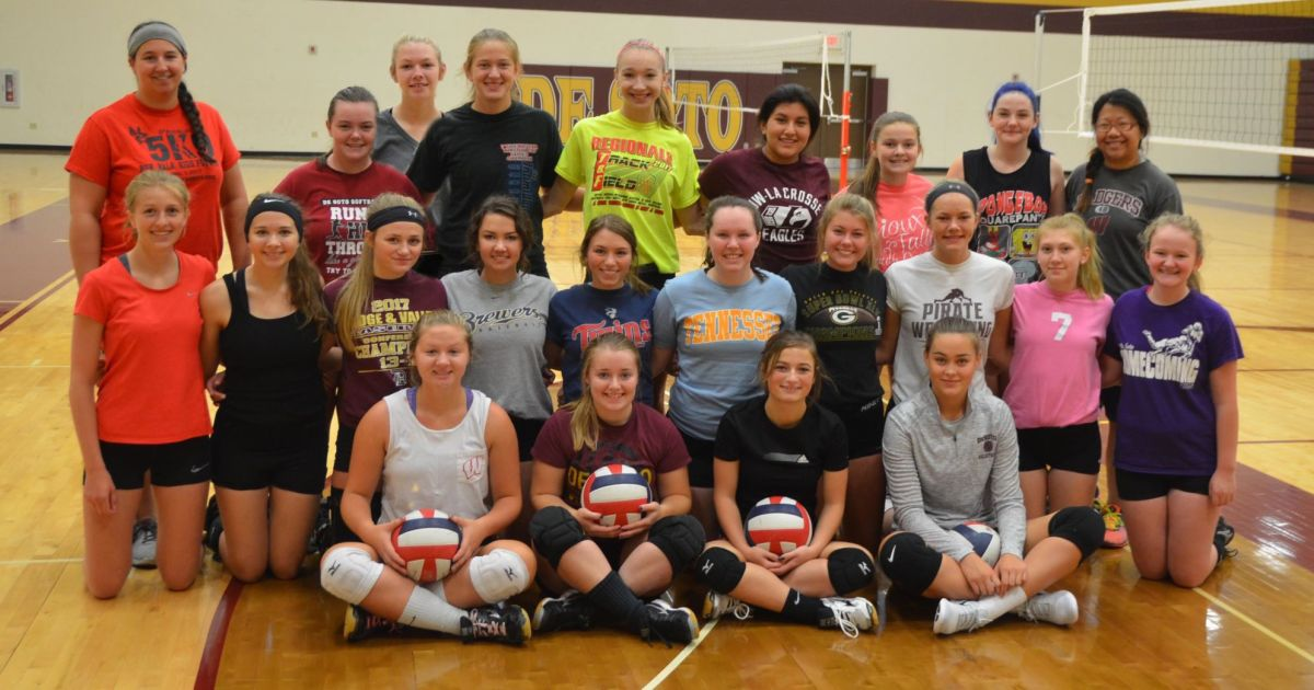Fall sports preview: Pirates volleyball welcomes new coach ...