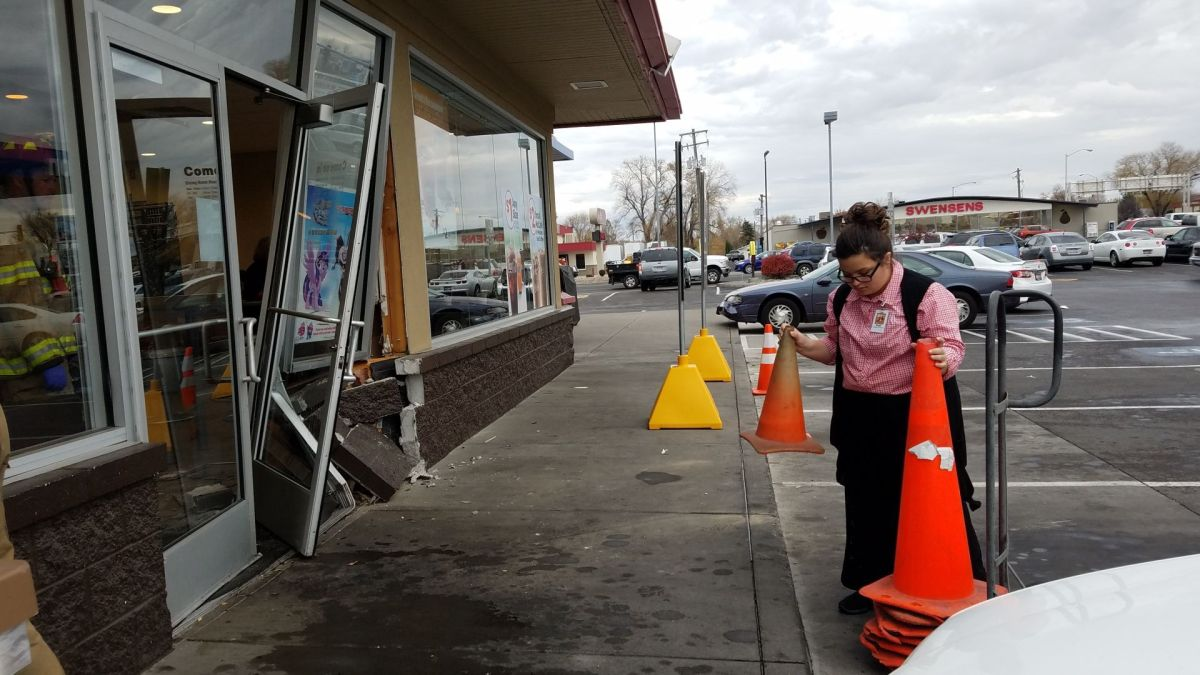 Vehicle hits McDonald's restaurant, driver leaves the ...