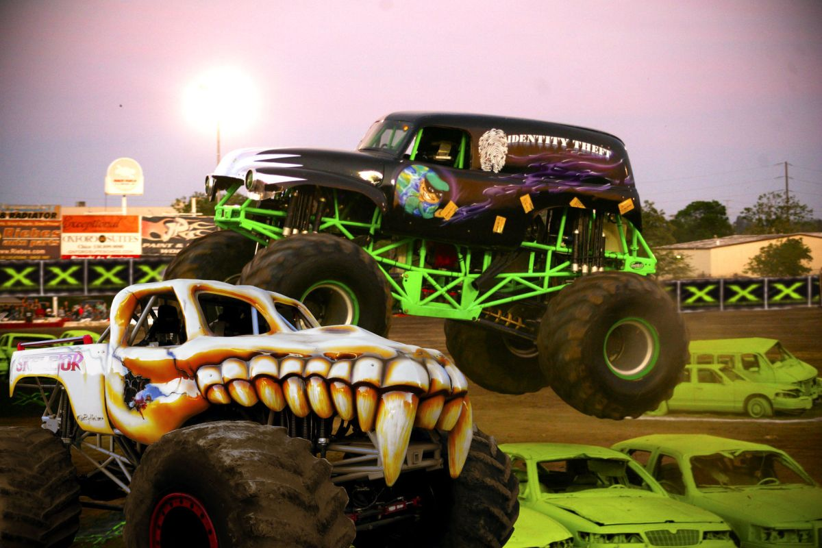 Magic Monster Truck Monster