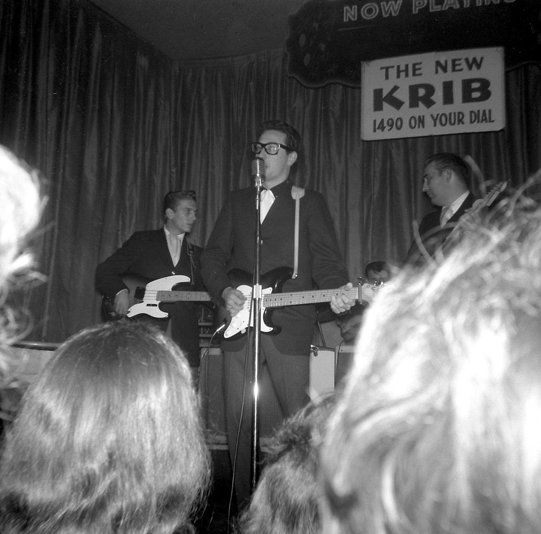 Amazing Historical Photo of Buddy Holly on 2/1959