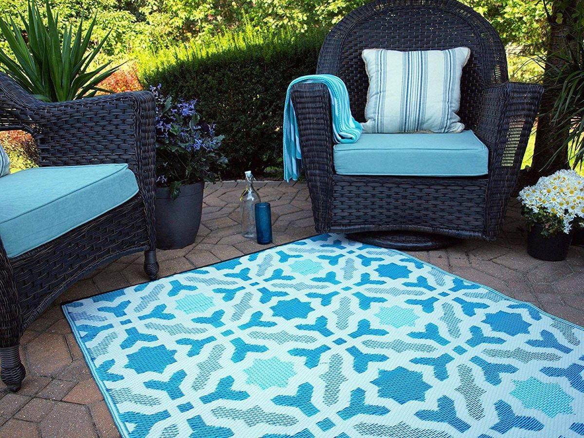 these colorful outdoor rugs will spice