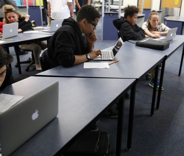 Lake Ridge New Tech Middle School Develops A Creed For Champions