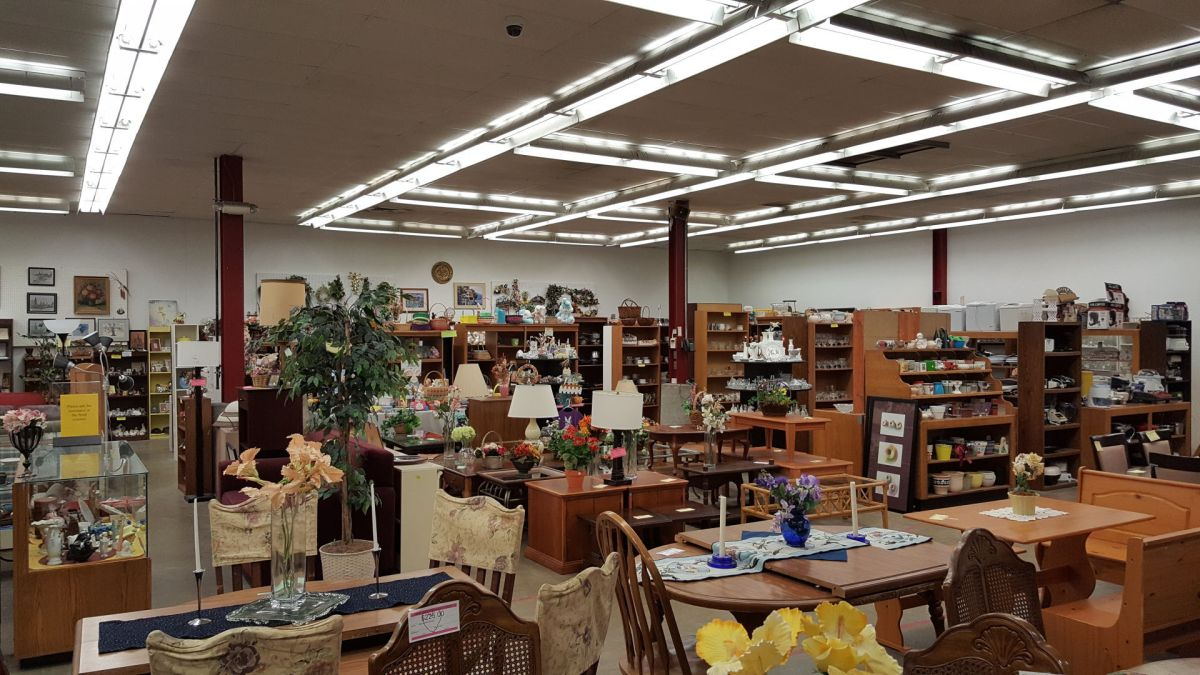Businesses And Resale Shops Give Vintage Items New Life Home And Garden
