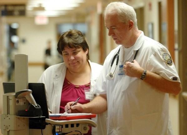 Older school: Nursing programs drawing students over age ...