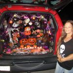 Woman Decorates Jeep For Halloween News Parkerpioneer Net