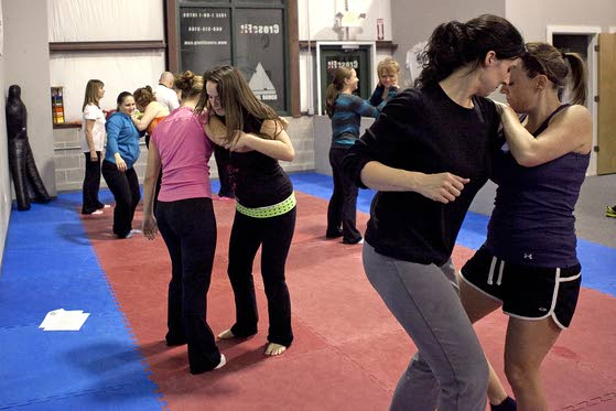 Women learn art of Easy Escape during free self-defense ...