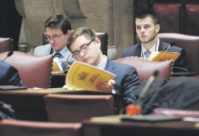 Hartwick students get taste of politics on Senate staffs
