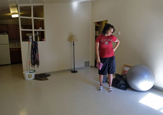 Hud Helped This New Mom Move From Her Roach Infested Cairo Apartment Now She Has No Furniture