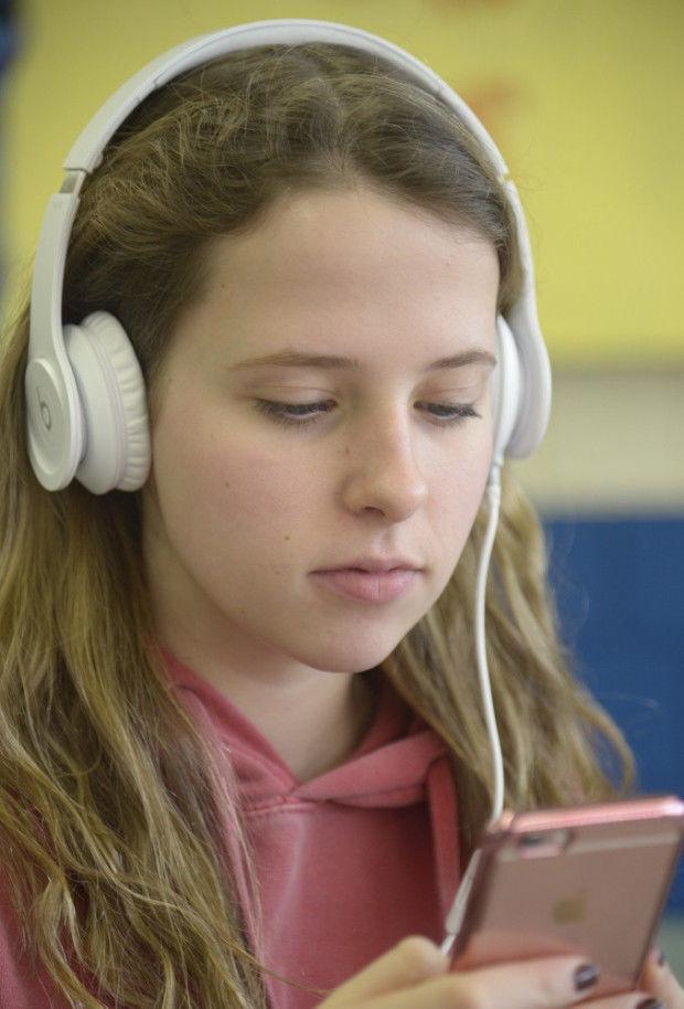 Headphones  010417 GN