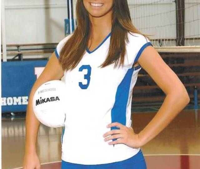 Hhas Hutto Is The Tds 2009 High School Volleyball Player Of The Year Sports Thetandd Com