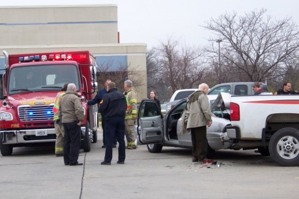 Minor traffic accident reported at Hy-Vee