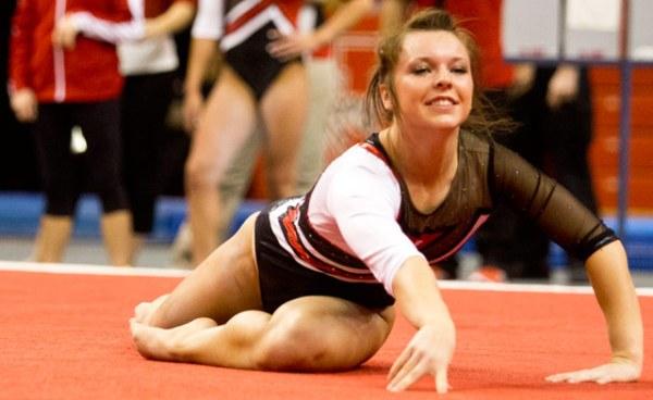 Minnesota native finds home on the NU women's gymnastics ...