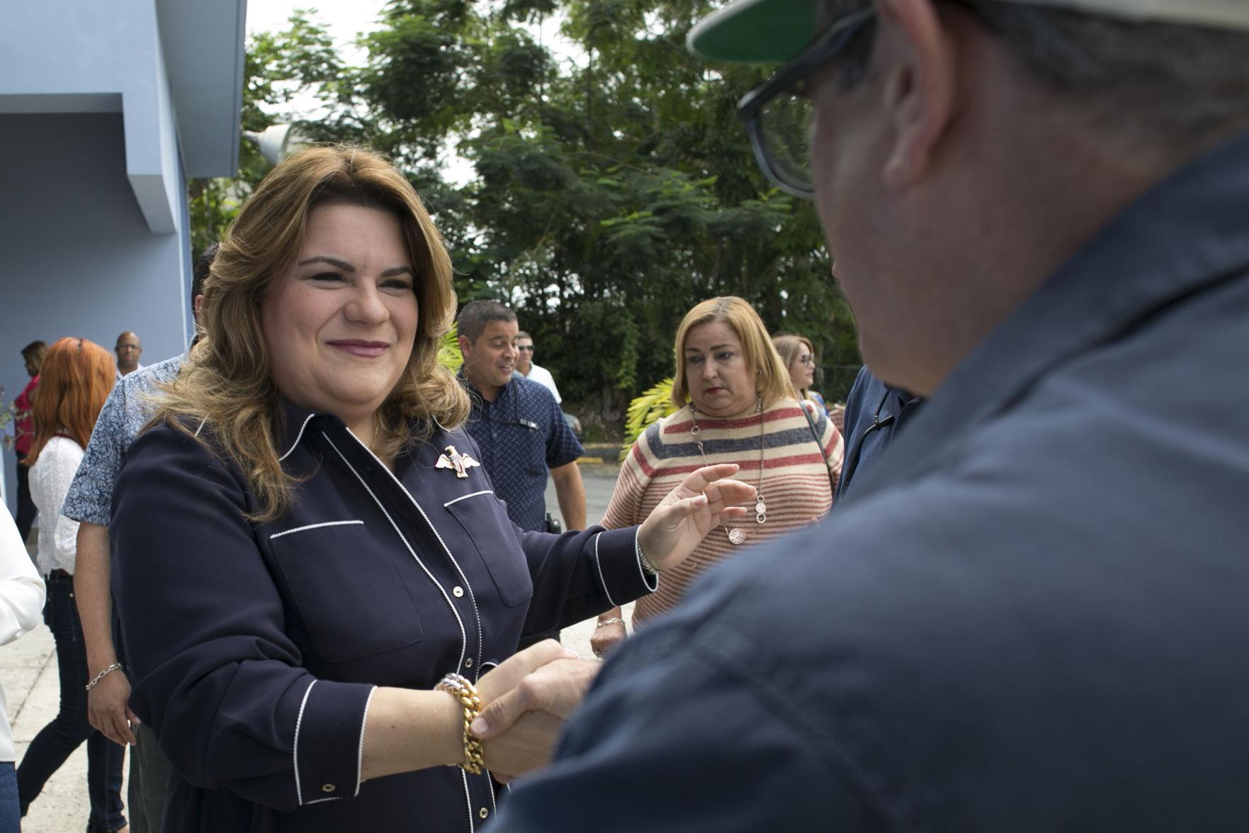 Alcaldes respaldan llamado de comisionada a abrir comedores escolares