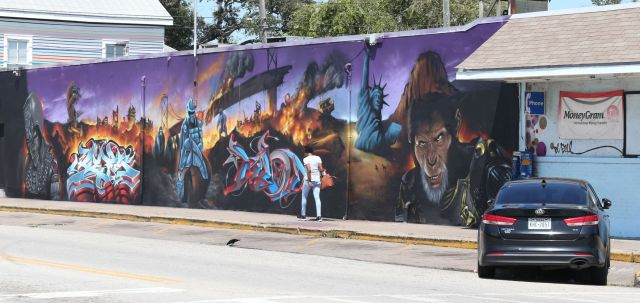 Grocery mural sparks controversy