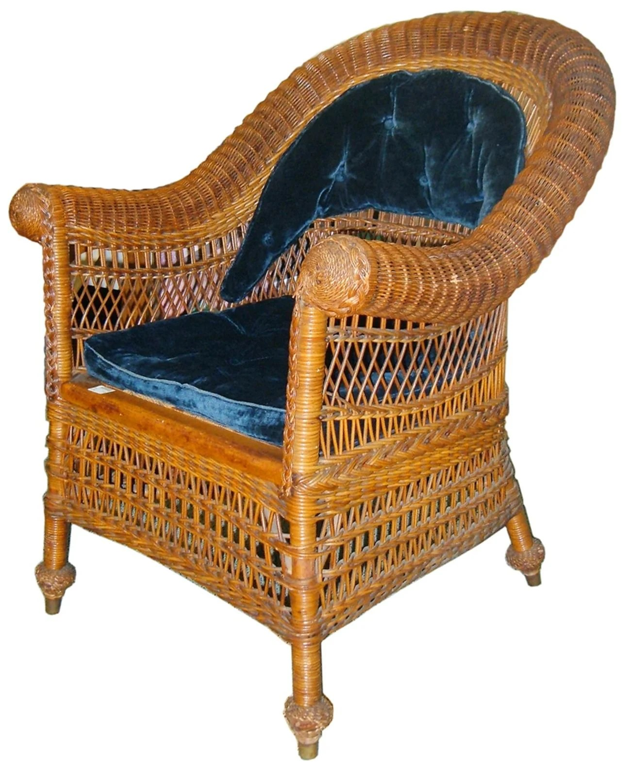 Jean McClelland  Antique wicker can be identified by their wood     Jean McClelland  Antique wicker can be identified by their wood frames
