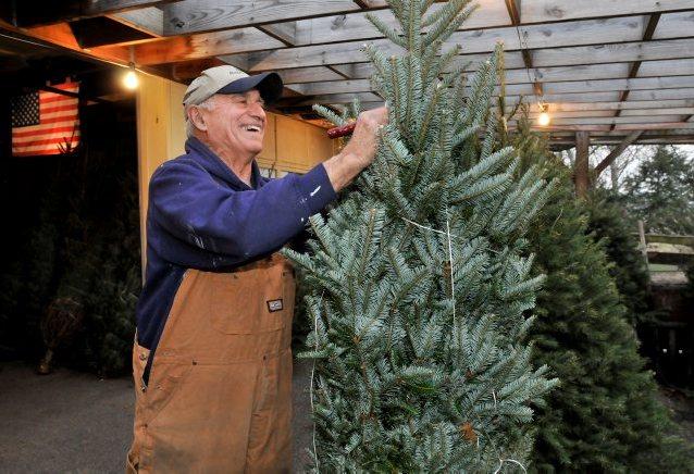 Dean Lemon marks 50 years of spreading Christmas cheer