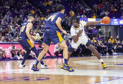 Column: Men's basketball team once again capturing ...