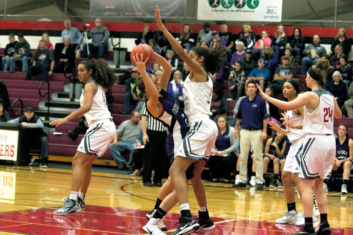 Soares sisters provide more than height for Mount Baker ...