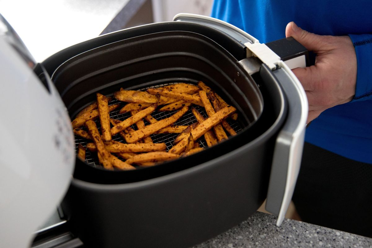 Convenient And Compact Air Fryers Become A Go To Kitchen Appliance Living