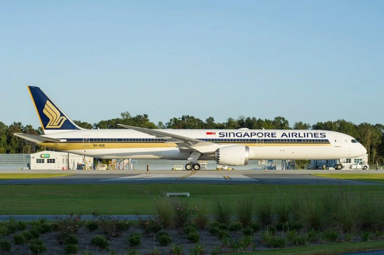 Singapore Airlines 787-10 Dreamliner (Lead photo)