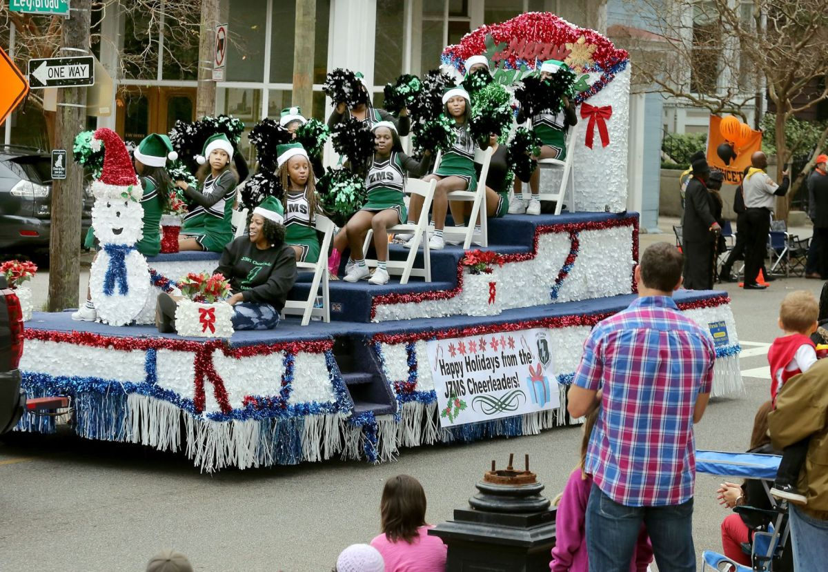 Holts Summit Parade 2014 Christmas