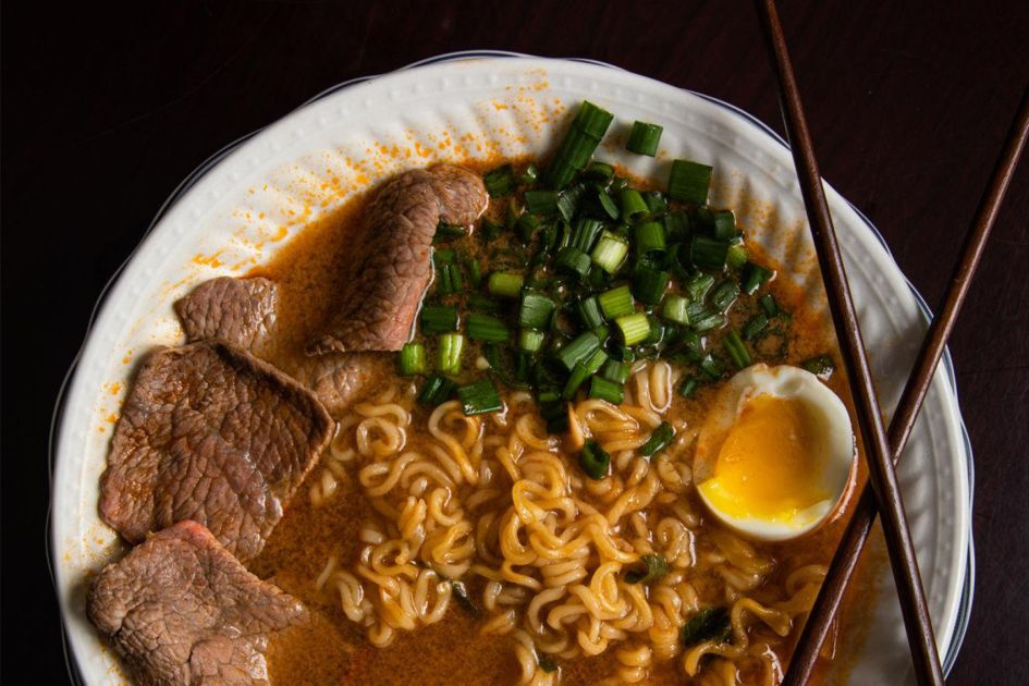 5 places in athens to get ramen outside