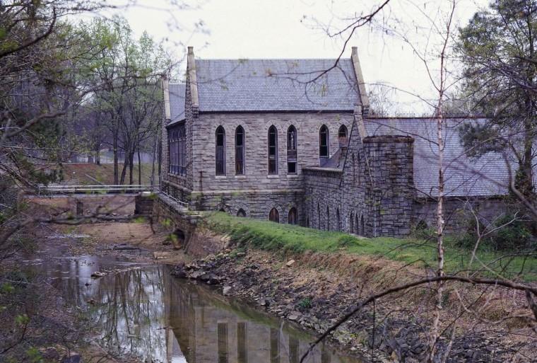The Creepy History of Richmond's 18th-Century Hotspot-Turned-Real-life Haunted House