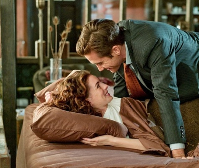 Love And Other Drugs Better As A Satire Than Romance Movie Reviews Stltoday Com
