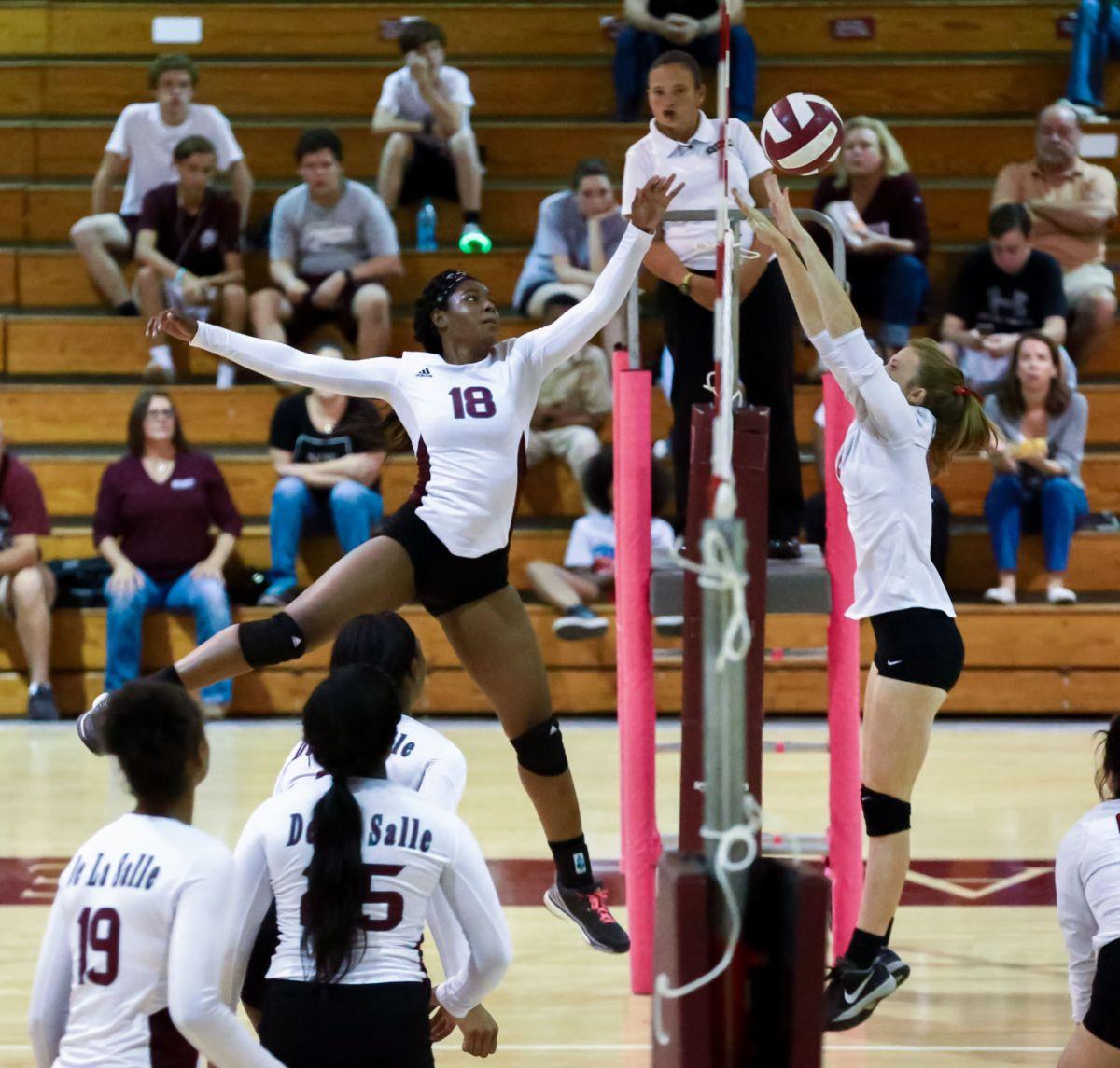De La Salle volleyball team advances in playoffs with 3-0 ...