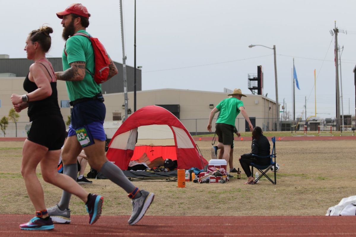 Ultra tough: 100-mile world record holder visits Owasso ...