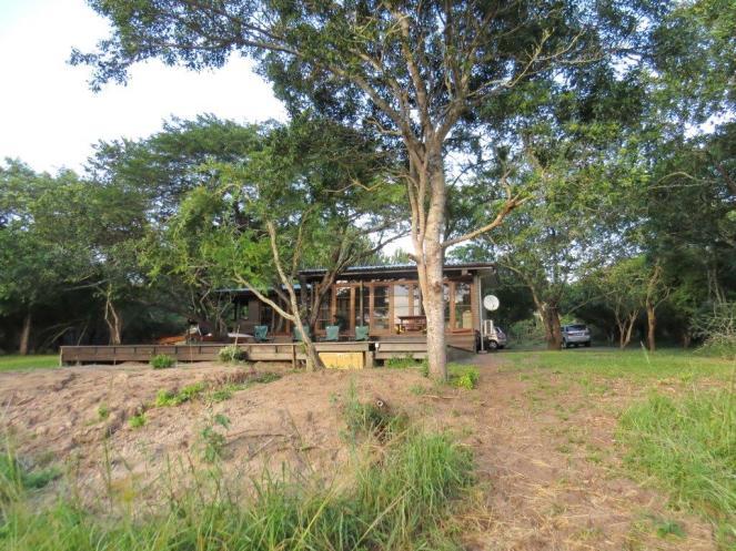 Khangela Lodge Deck, pool and communal area.