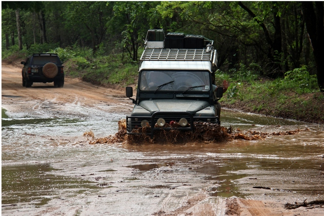 Road between Beira and Mphingwe Camp, Coutadas
